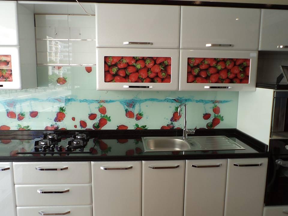 mutfak tezgah arası cam panel fiyatları